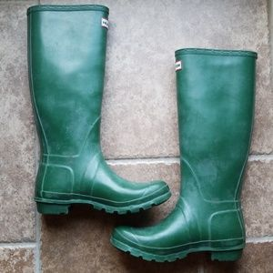 Hunter tall Green matte mint boots